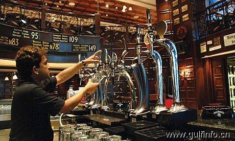 迪拜酒吧-Double Decker(双格酒吧)