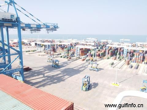 2013年前七月哈里发港生产率同比增长8%