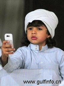 科威特移动电话普及率达215%