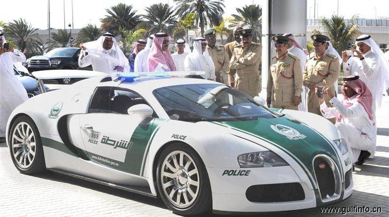 迪拜警察局购置布加迪威龙跑车作为警车使用