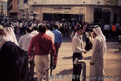 地震波及迪拜 高层建筑紧急疏散
