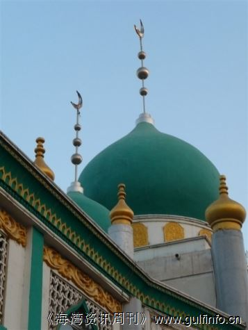 清真寺顶上月牙的意义