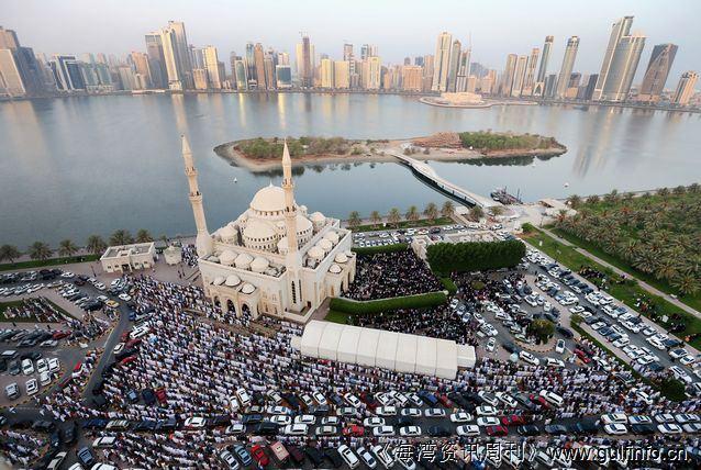 迪拜<font color=#ff0000>穆</font><font color=#ff0000>斯</font><font color=#ff0000>林</font>庆祝开斋节