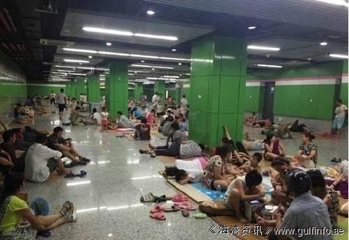"""高温难挡,上海地铁13号线被曝成为""""纳凉圣地"""""""