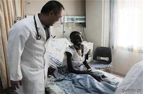 """中国医生加纳出色的完成多起手术,架起中加友谊连""""心""""桥!"""