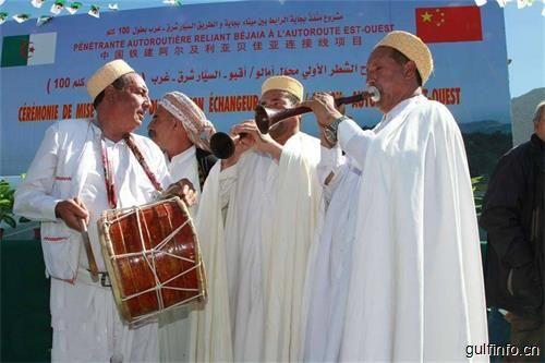 """中国工人构筑的一条""""民心路""""——来自北非古城的通车记!"""