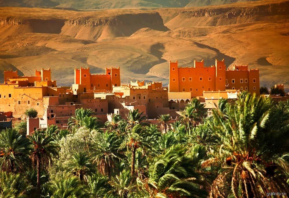 摩洛哥:一半海水,一半沙漠,一路繁花盛放