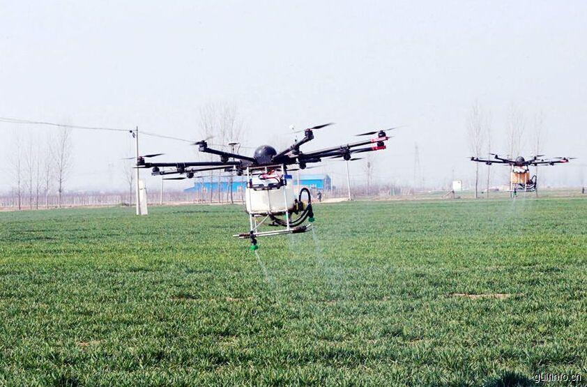中国80后小伙自研无人机  远赴埃塞俄比亚除野草