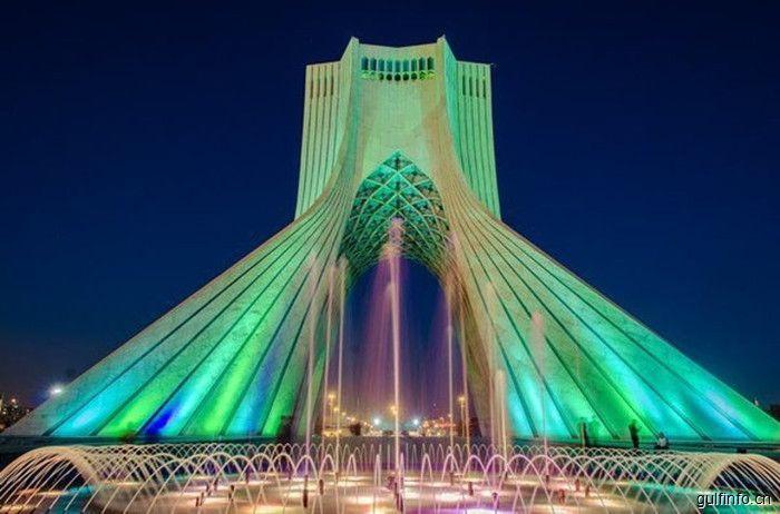 和伊朗来一场亲密的约会:越来越多的中国<font color=#ff0000>游</font>客走入伊朗