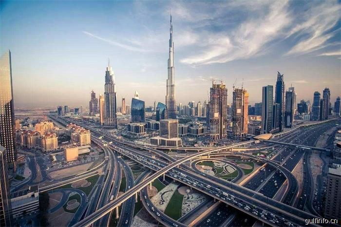 10月15日起迪拜实行新限速规定,车速须降至110公里/时