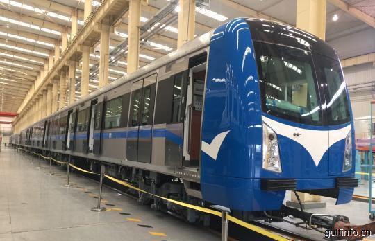 中国中车首批出口尼日利亚阿布贾城铁车辆亮相