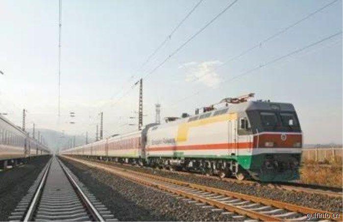 中企承建的埃塞俄比亚亚吉铁路正式开通运营