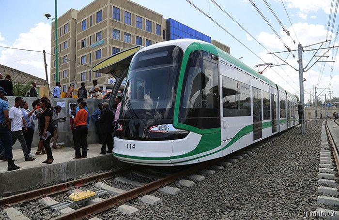 中国承建东非首条<font color=#ff0000>轻</font><font color=#ff0000>轨</font>,为埃塞俄比亚民众提供更便捷的交通方式