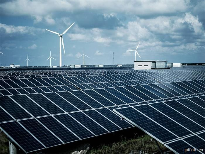 沙特到2032年将向清洁能源投500亿美元
