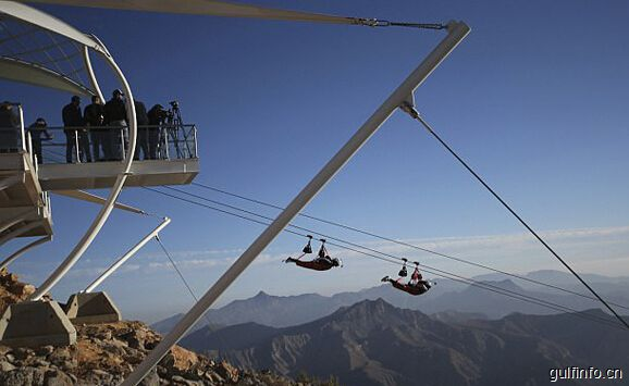 阿联酋世界最长飞索对外开放 时速最高150千米