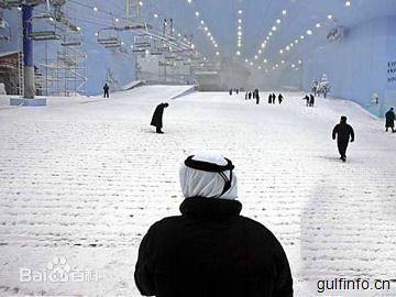 非洲大陆第一家人造雪场——在炎热埃及体验滑雪