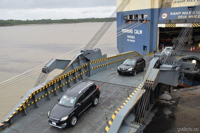 肯尼亚蒙巴萨港:汽车和小麦占据进口主导地位