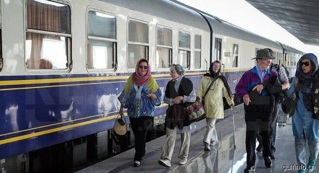 伊朗新铁路列车开始运行,预计新年期间会达180万人次