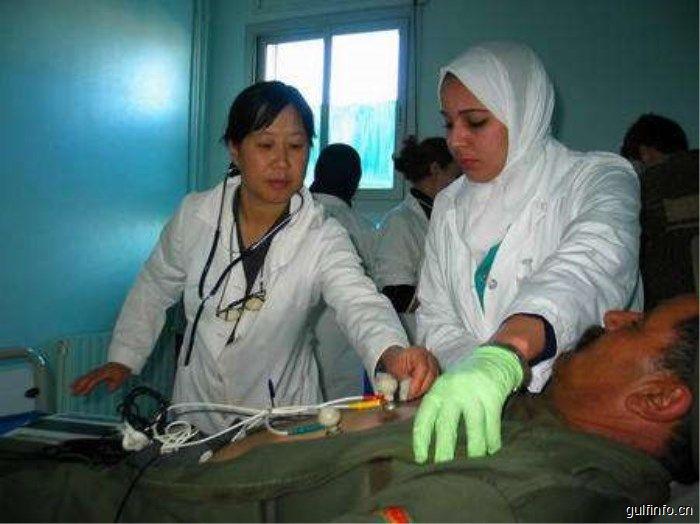 中国援助摩洛哥医疗队在卡萨布兰卡义诊