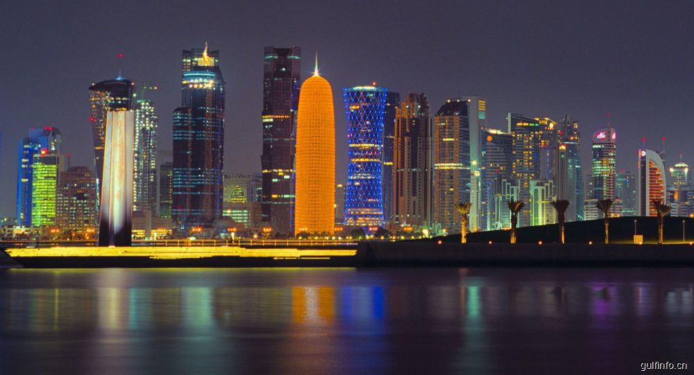 中国与卡塔尔签署全面互免签证协定
