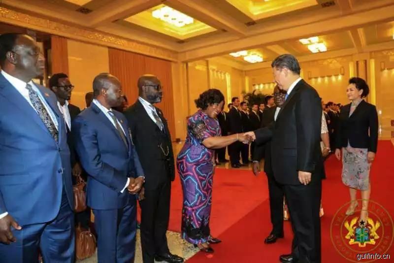 习近平对话加纳总统 :