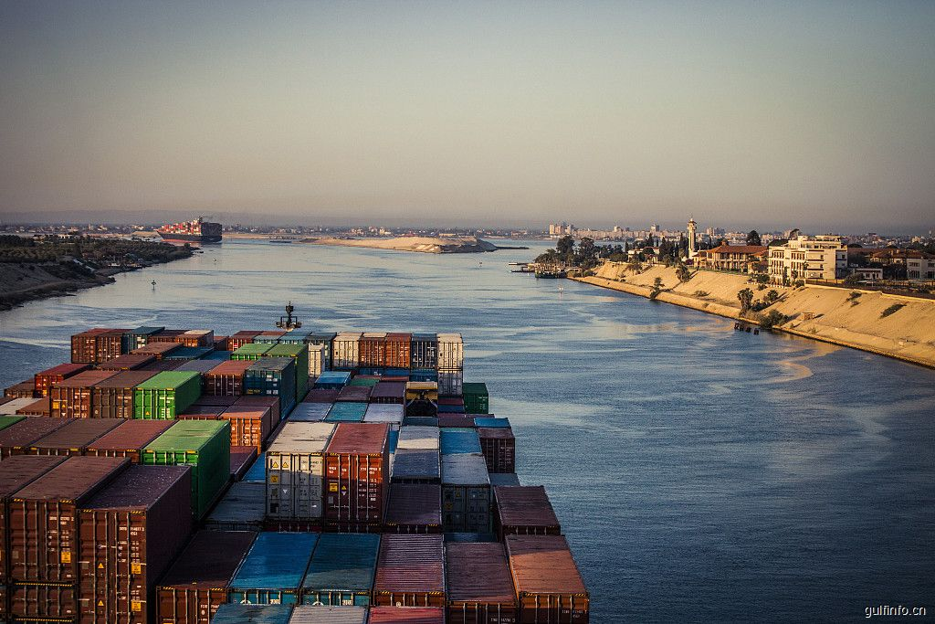 2017/2018财年埃及进<font color=#ff0000>出</font><font color=#ff0000>口</font>额889.3亿美元,中是埃第二大贸易伙伴