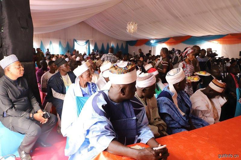 """由中国政府援助尼日利亚的""""万村通""""项目正式启用"""