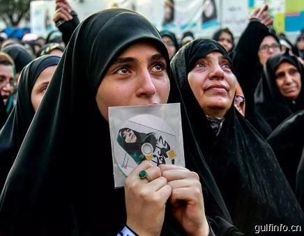 伊朗女性佩戴头巾,如何成为一个政治符号?