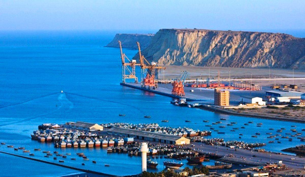"""中国政府与非洲联盟签署共建""""一带一路""""合作规划"""