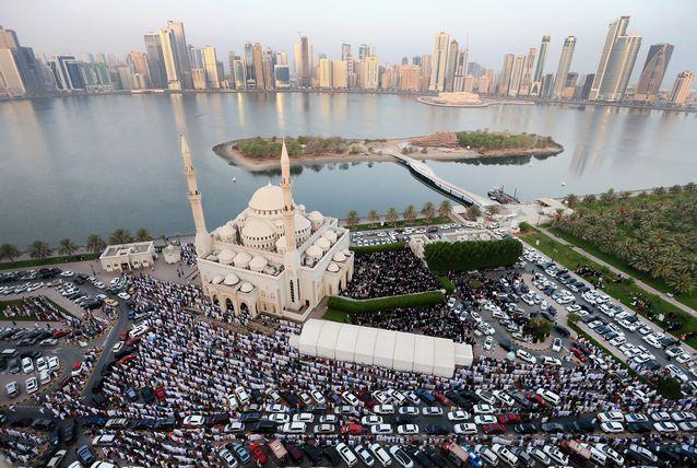 2015年穆斯林节日_迪拜穆斯林庆祝开斋节 - 海湾资讯网 - 中东资讯|海湾资讯|中东 ...